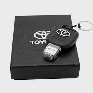 USB флешка на 32GB у вигляді ключа TOYOTA