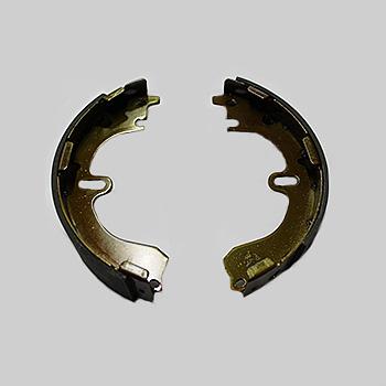 Тормозные колодки AMP задние